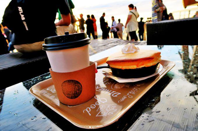 テラス隣接の雲の上のカフェ「SORA cafe(ソラカフェ)」