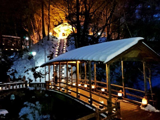 鹿教湯温泉一番の名所「五台橋」から始まる「氷灯ろう夢祈願」
