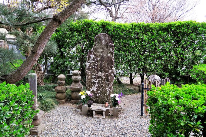 二人の信繁の墓がある寺「典厩寺」