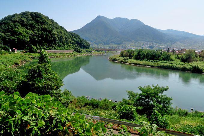 飯山線沿線の車窓と途中停車駅を楽しむ