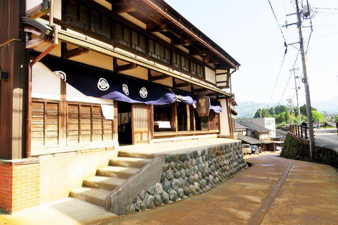 越中の小京都・善徳寺の門前町「城端」