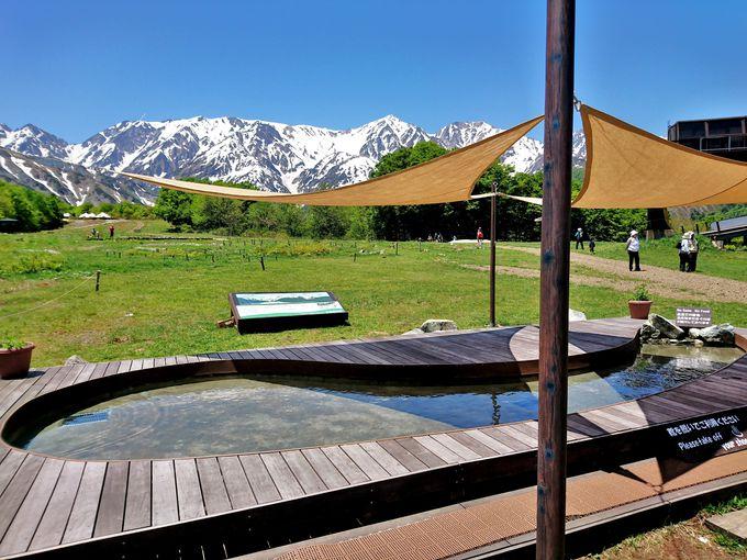 白馬八方温泉のルーツを表現「絶景の足湯」