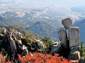 三重県鈴鹿の名峰・御在所岳に奇岩奇石を探すアスレチック登山!