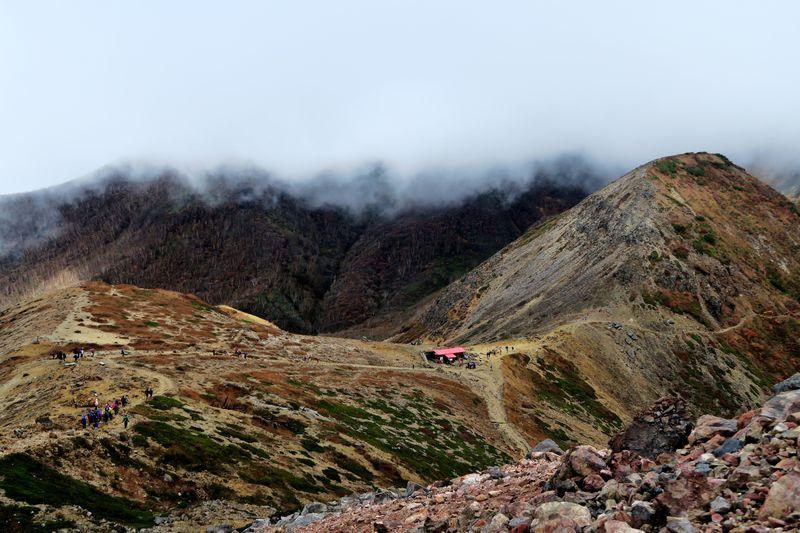 迫力ある活火山の風景が魅力!栃木「那須岳」登山のすすめ