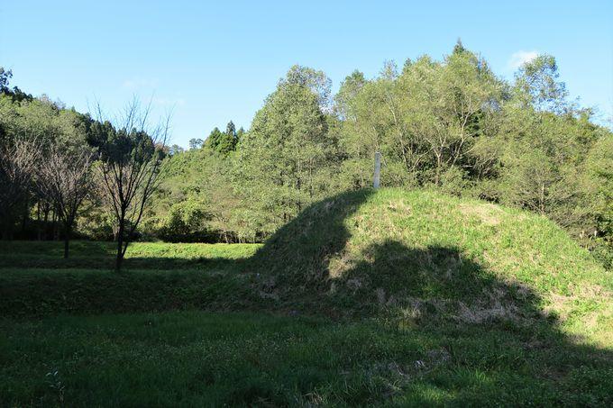春日山城の正面玄関・大手道からの登城も