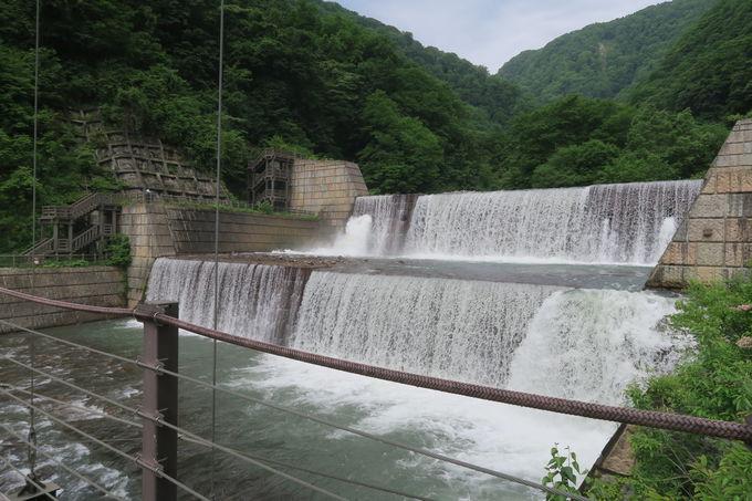 笹ヶ峰と並ぶ妙高観光のメッカ「苗名滝」