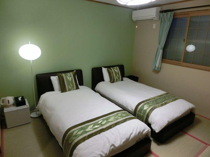 畳にベッドの和洋折衷スタイル