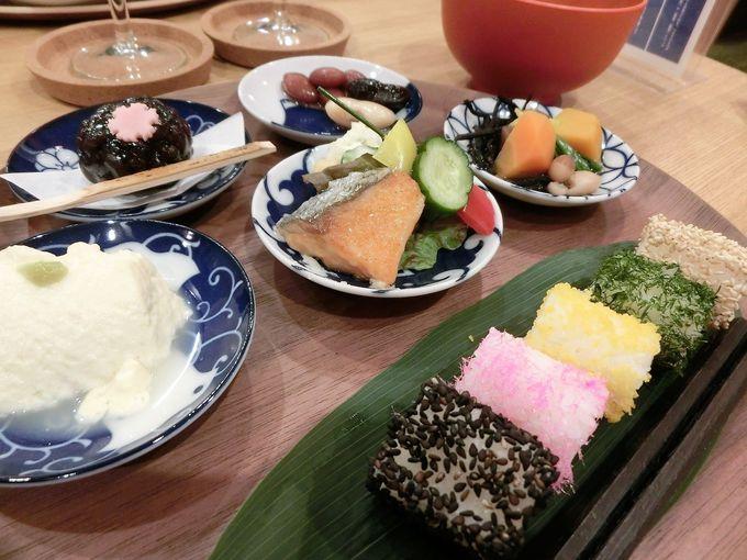 朝食は豆と健康をテーマにした和食膳
