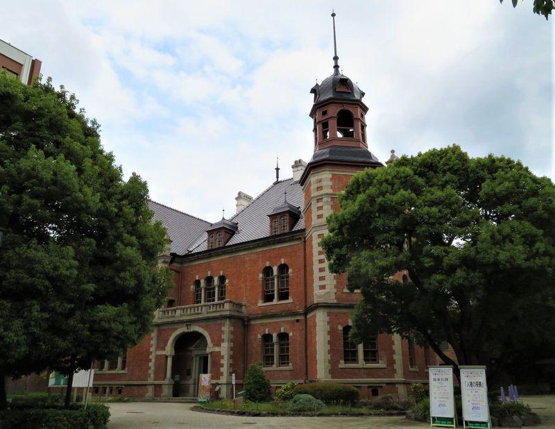 朝ドラ「まんぷく」のロケ地・同志社大学のレンガ建築がレトロかっこいい!