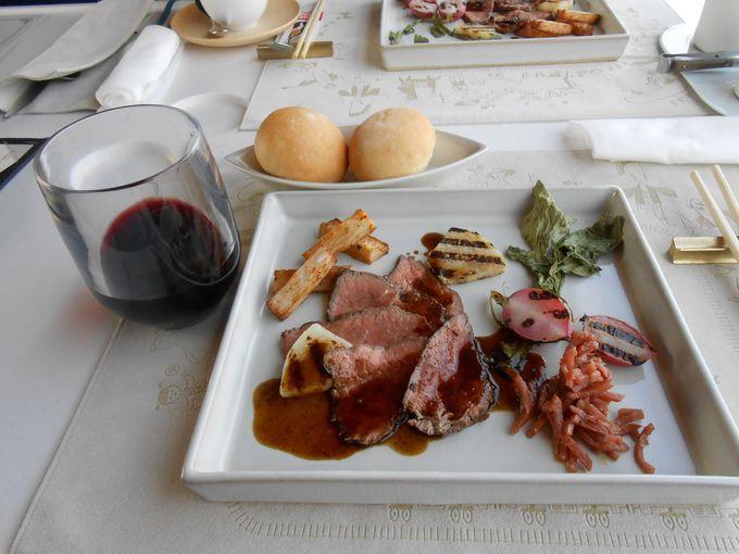 東北各地の食材を使ったお料理と伝統工芸の数々