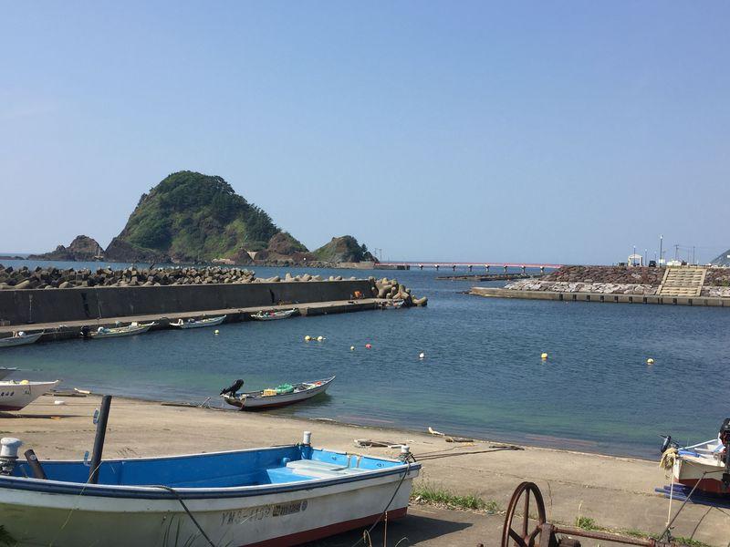 日本海の夕日と海の幸を満喫!由良温泉「サンリゾート庄内」