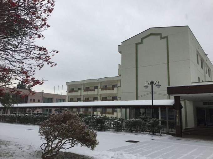 「ホテル小坂ゴールドパレス」は町の名所めぐりに便利!