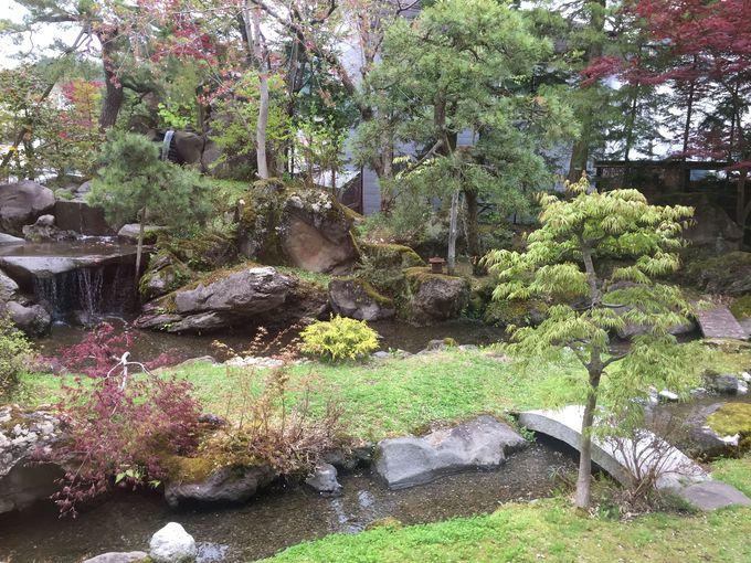 大人の癒やし!「不二やホテル」の日本庭園と美術品