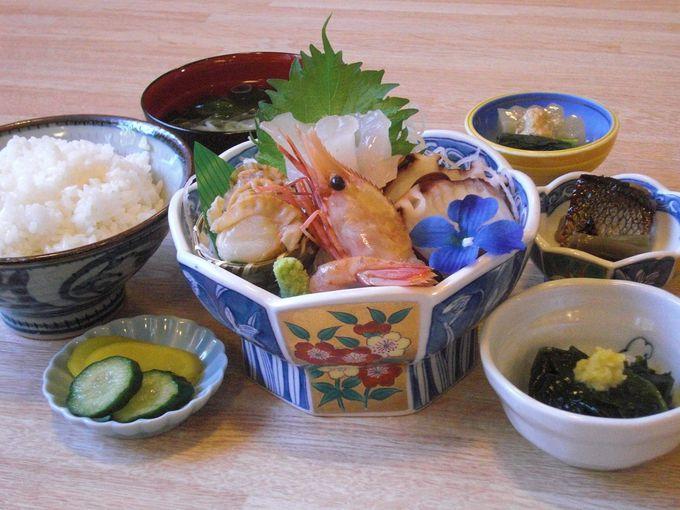 男鹿のあじさい寺・雲昌寺から最も近い「亀寿司食堂」