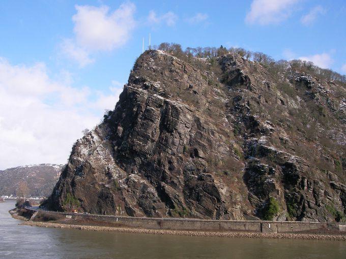 大迫力の岩山、ローレライ