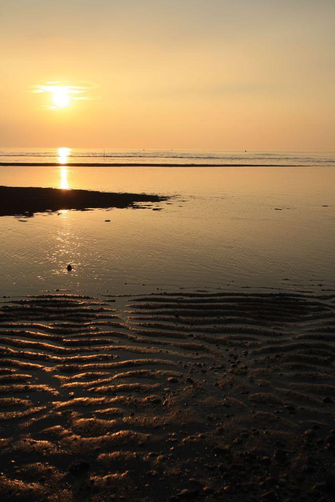 干潟と夕日を同時に楽しめる真玉海岸