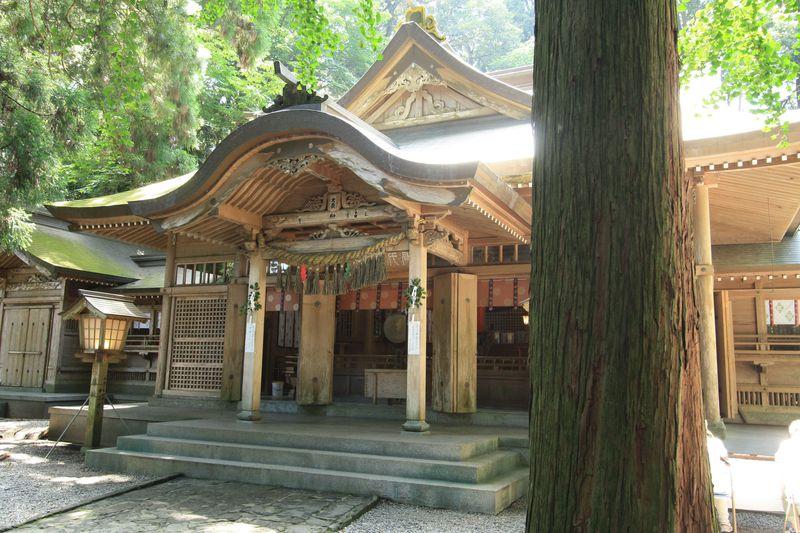 神楽も楽しめる高千穂神社