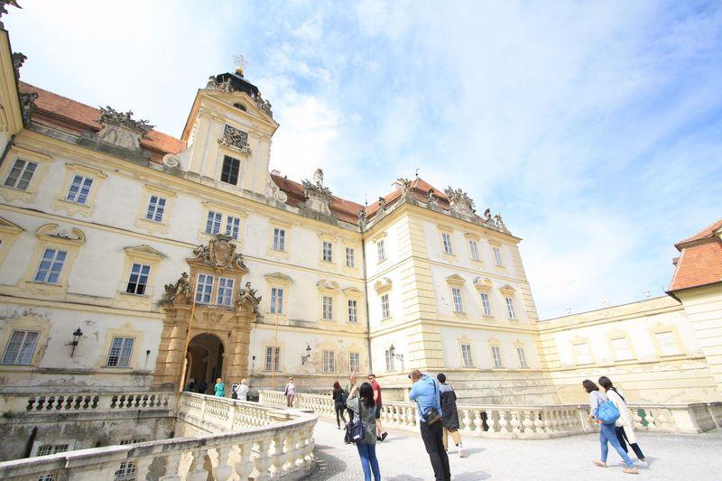 庭園と城が世界遺産!チェコ「レドニツェ・ヴァルチツェ地区」の見どころまとめ