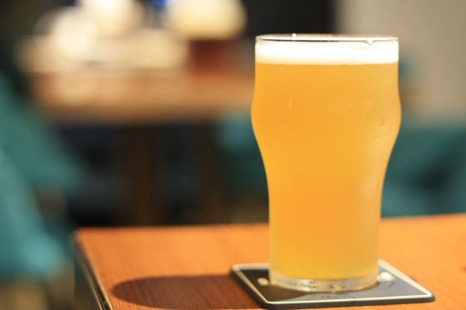 自慢のクラフトビールとフードメニュー