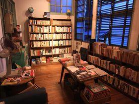 23時オープンの本屋!?尾道「弐拾dB」で素敵な本との出会いを