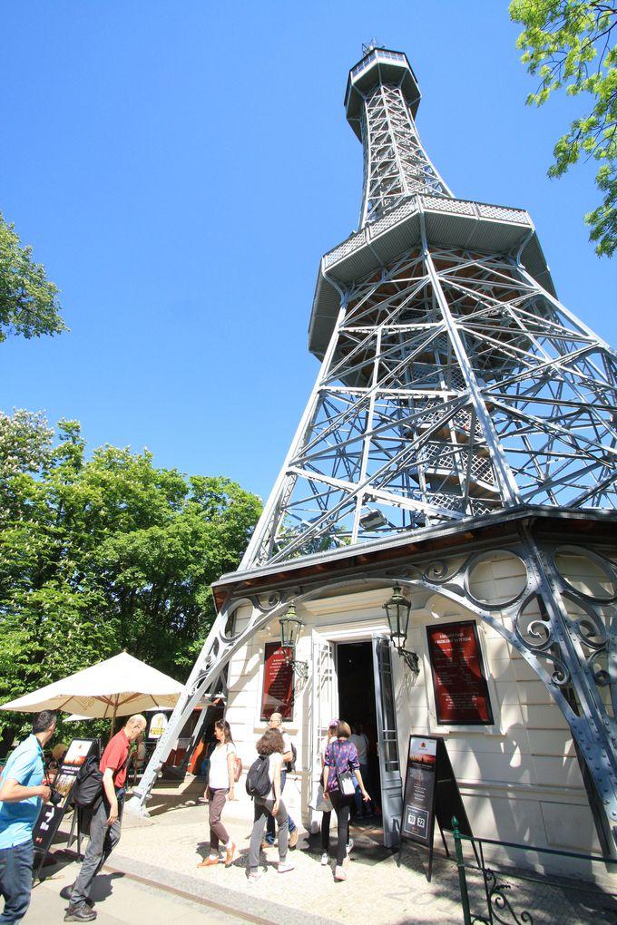 展望塔はミニエッフェル塔