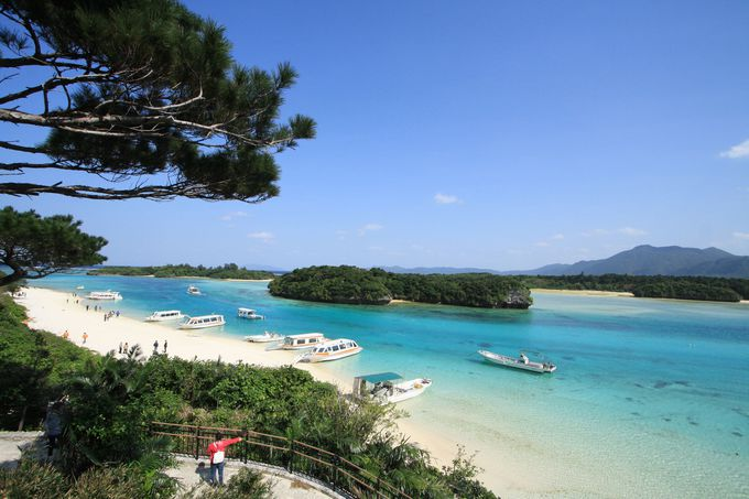「島宿イリワ」なら川平湾まで徒歩10分!