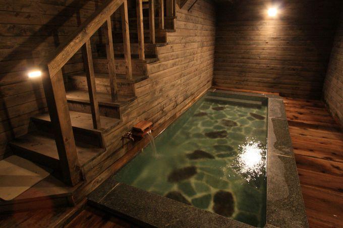 何度でも入りたい温泉が館内に