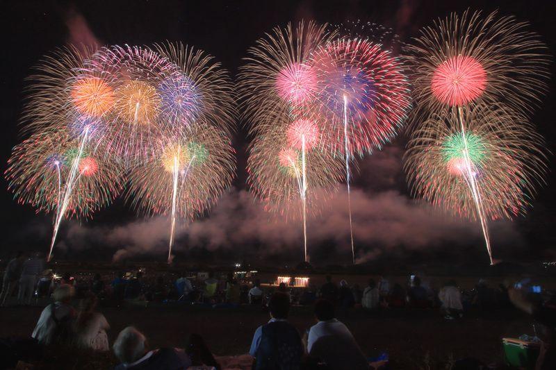 「酒田花火ショー」は東北屈指の花火大会!山形で見る夜空のショー