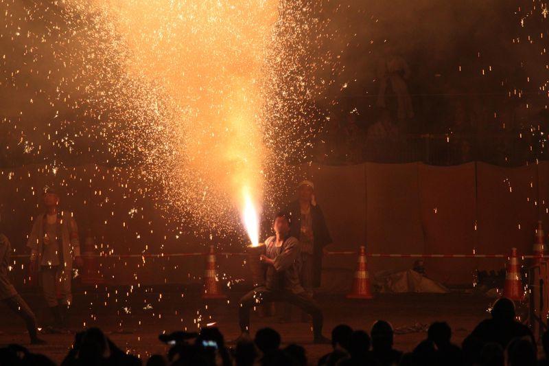 愛知県豊橋は手筒花火発祥の地!「炎の祭典」でその見事な炎を体感