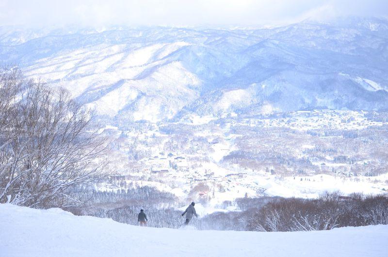 新潟「赤倉観光リゾートスキー場」で景色も雪質も抜群のスキー体験を