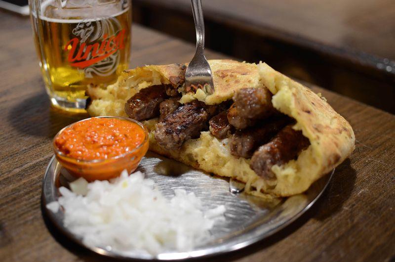 ご当地グルメが安い!スロベニアのレストラン「サラエヴォ'84」
