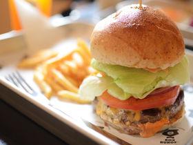足柄牛のパテが自慢のハンバーガー!箱根「BOX BURGER」
