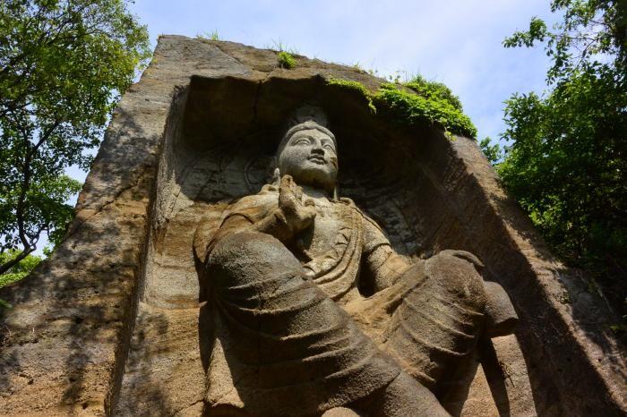 バーミヤンの悲劇が横須賀でも!巨大磨崖仏に秘められた哀しき悲劇
