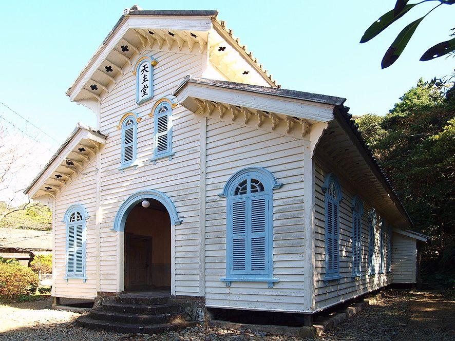 教会堂建築の第一人者である鉄川与助によって設計された最も完成度の高い木造平屋の教会