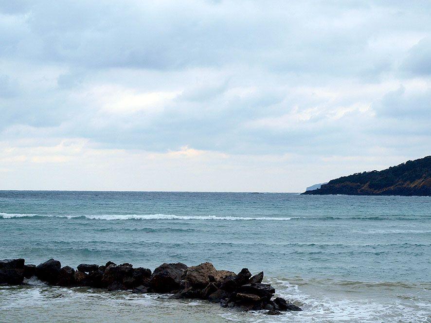 パライソ(天国)へと向かう根獅子浜の「昇天石」