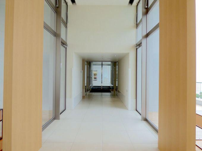 伊江島を望む絶景はこのホテルだけの特権