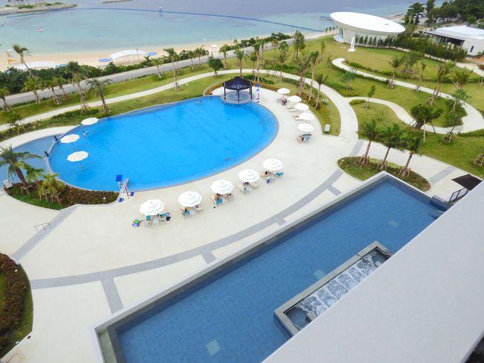 プールの優雅さは沖縄本島でもトップクラス