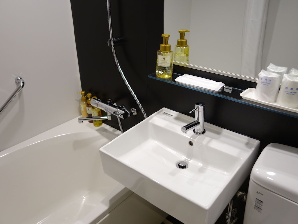 バスルームはとてもきれいで清潔感たっぷり!