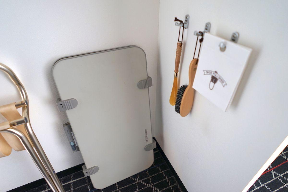 部屋はシンプルだけど十分な設備有り