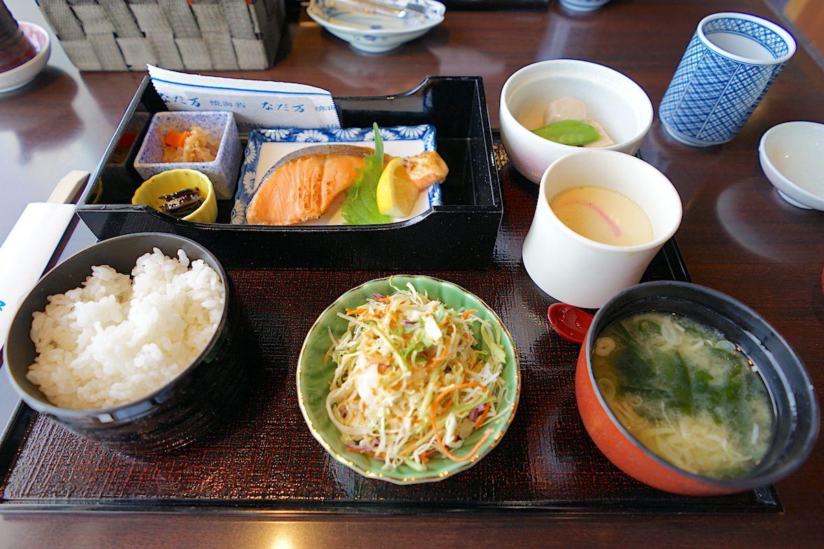朝食付きのプランは洋食と和食が選択可能