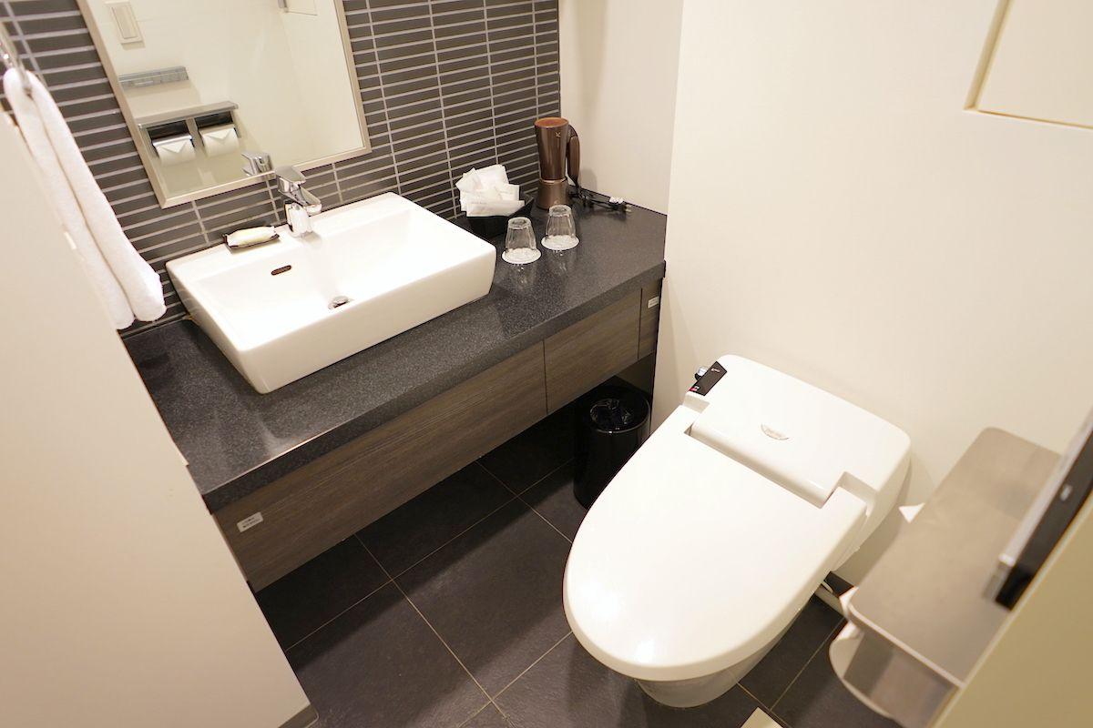 バスルームはシャワーのみの部屋とバスタブ付きの部屋を選択可