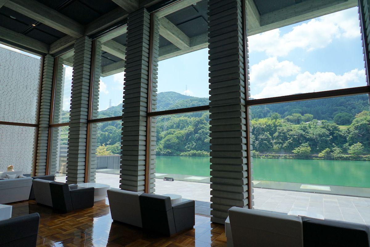 富山市内で行きやすい川沿いのリゾートホテル