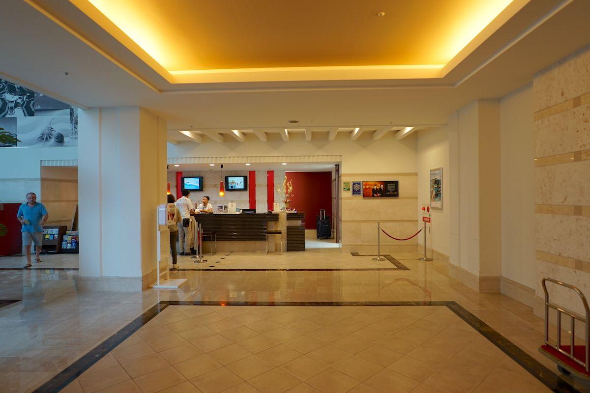 「メルキュールホテル沖縄那覇」は夜遅い便でも安心の空港近くのホテル