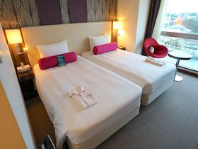 夜到着も安心「メルキュールホテル沖縄那覇」はスタイリッシュで空港至近