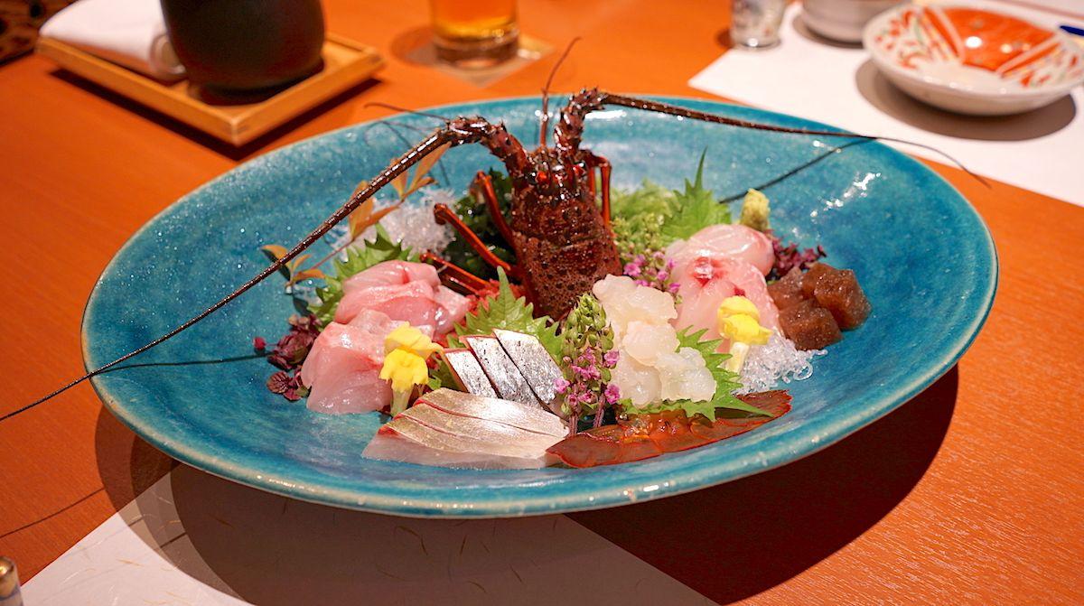 夕食は味もボリュームも満足!下田港で採れる海の幸が美味!