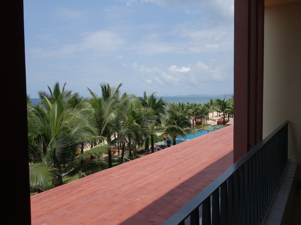 リゾートにいることを実感する部屋とプールが最高!