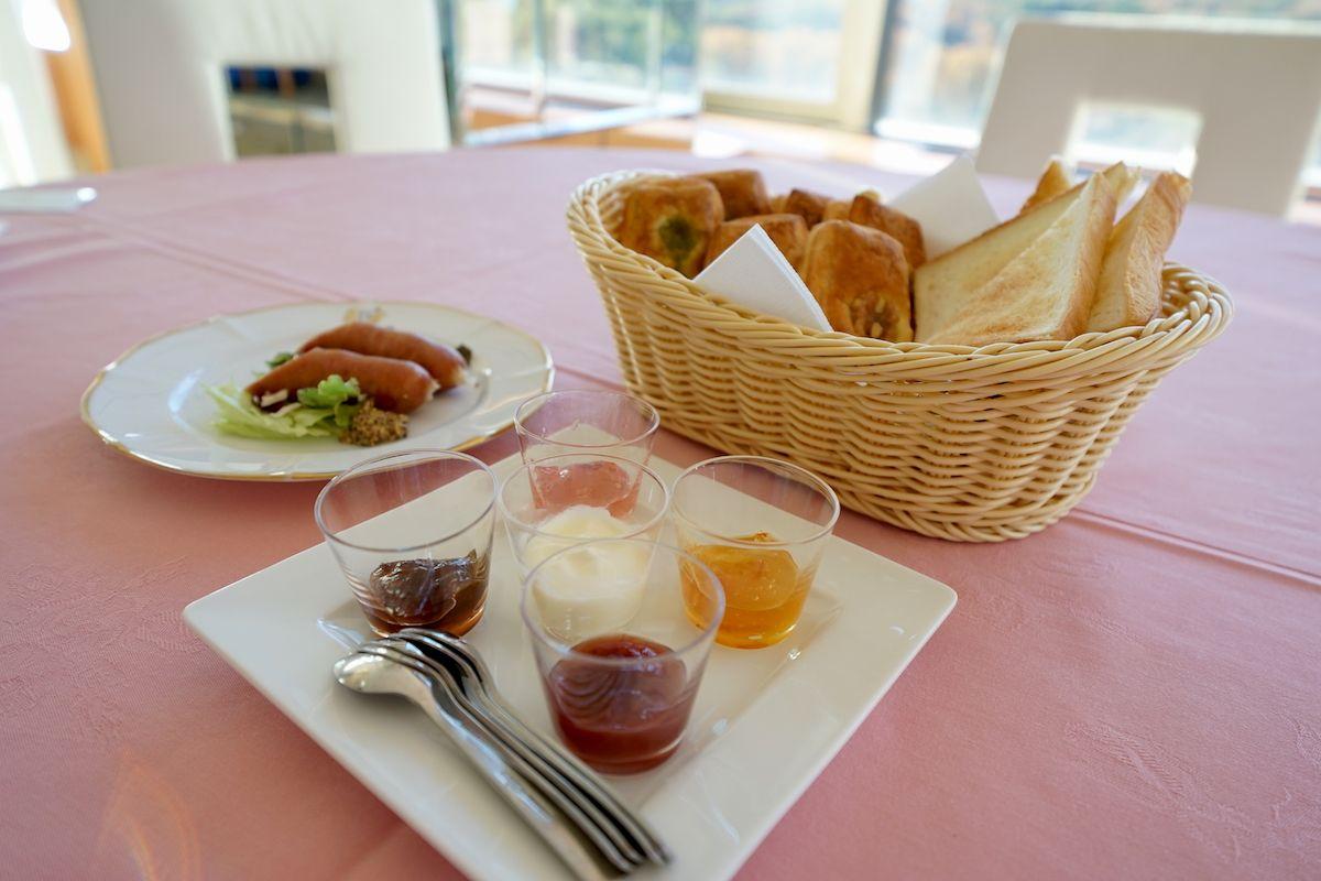 朝食はホテル最上階の「ティアラ」がおすすめ!