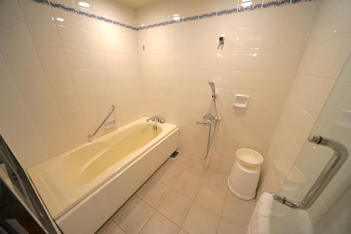 バスルームは洗い場付タイプ