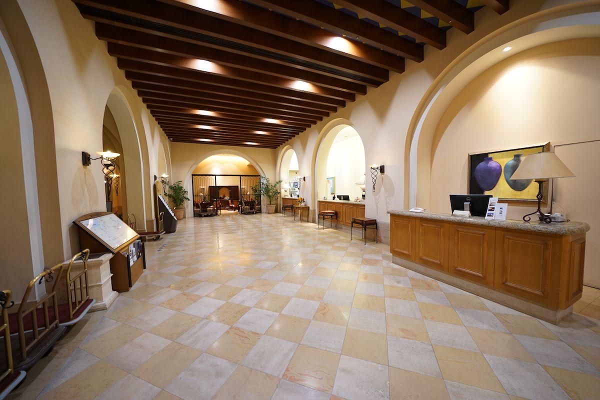 沖縄本島「ホテル日航アリビラ」は心も体も元気になるリゾートホテル