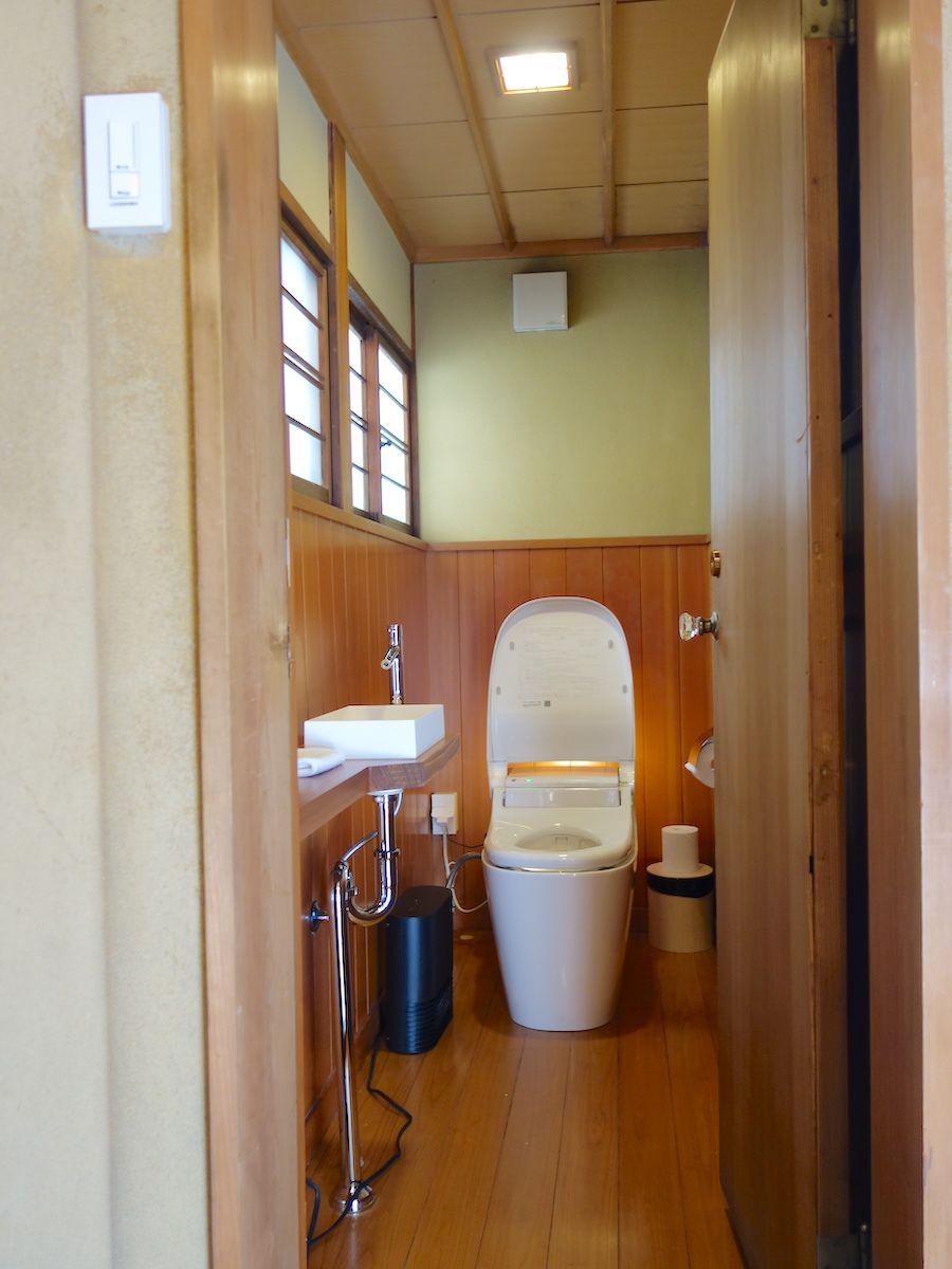 バスルームは檜風呂、木のぬくもりが伝わります